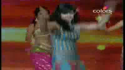 India's Got Talent Season 3 - (1-October-2011) Dharmendra dances with TV divas (Grand Finale)