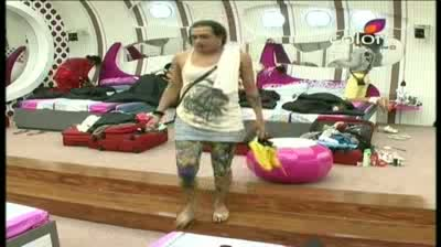 Bigg Boss 5 - (6-October-2011) 'Shradha is a highly explosive atom bomb'