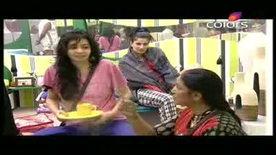 Bigg Boss 5 - Missra accuses Mahek of spoiling her image (10-October-2011)