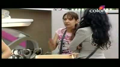Bigg Boss 5 - Missra, Mahek have a heated argument (10-October-2011)