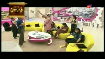 Bigg Boss 5 - Amar and Juhi get into a verbal fight (13-October-2011)