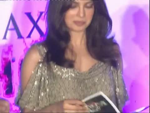 Priyanka Chopra - The Hottest Girl Of 2011 - Latest Bollywood News