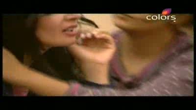 Bigg Boss 5 -- Pooja Missra ignores Amar (14-October-2011)