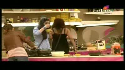 Bigg Boss 5 -- Raageshwari gets a new task (14-October-2011)
