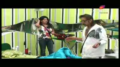 Bigg Boss 5 - Shonali is a 'meethi churi' (18-October-2011)
