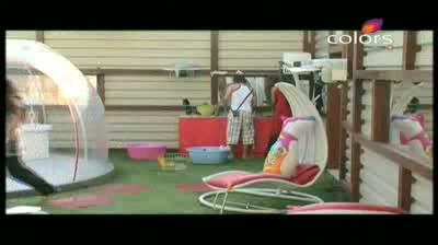 Bigg Boss 5 - 'Mahek is angry all the time,' Siddharth (20-October-2011)