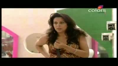 Bigg Boss 5 - Pooja Aunty - mocks Shradhha (25-October-2011) Part-4