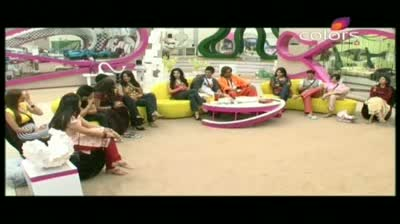Bigg Boss 5 - House mates receive special gifts from family (27-October-2011)