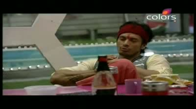 Bigg Boss 5 - Siddharth strikes deal with Shonali (27-October-2011)