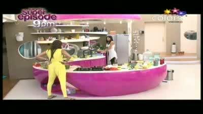 Bigg Boss 5 - 'Missra is a 'Pagal' woman,' Vida (28-October-2011)