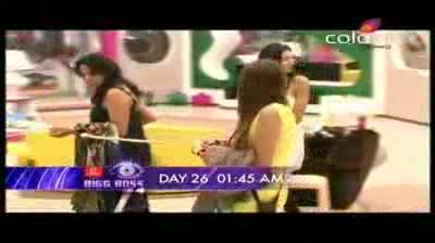 Bigg Boss 5 - Siddharth 'likes' Shonali (28-October-2011)