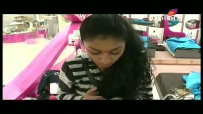 Bigg Boss 5 - Vida accuses Missra of robbery (28-October-2011)