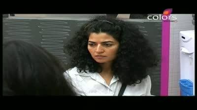 Bigg Boss 5 - Shakti is a coward man, Shradhha (30-October-2011)