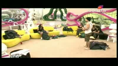 Bigg Boss 5 - Akashdeep versus Mahek continues, Mandeep joins in (3-November-2011)