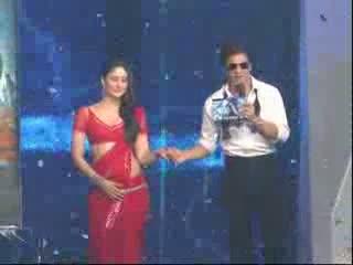 Kareena Kapoor And Katrina Kaif Fight Over Shahrukh Khan