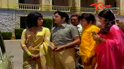 ANR Teaches A Lesson To Vanisri - Funny Scene
