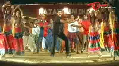 Seenu - Telugu Songs - O Manali O Manali - Venkaresh - Twinkle Khanna