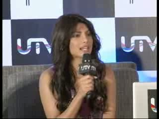 Shahrukh Khan And Priyanka Chopra To Host Zee Cine Awards 2012