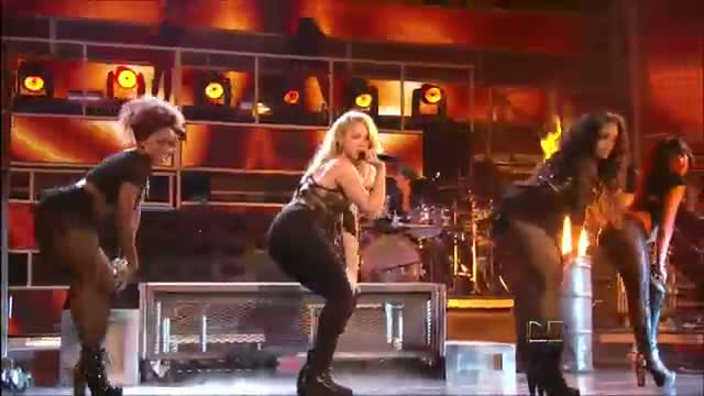 Shakira - Loca (Latin Grammys 2011) HD