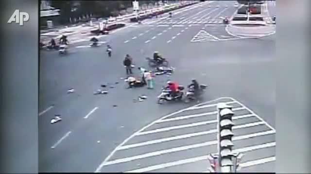 Girl Survives Trailer Truck Accident