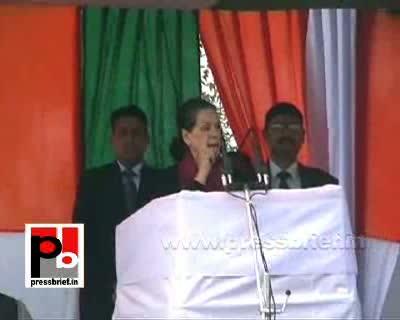 Sonia Gandhi in Unnao, Uttar Pradesh, 8th February 2012