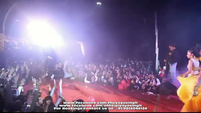 Yo Yo Honey Singh and Mafia Mundeer Live performing in Noida @ Tech Mahindra Live Part - 5