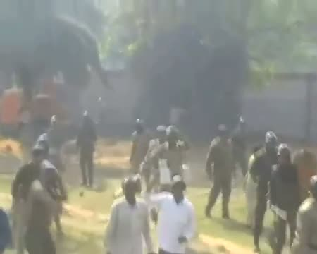 Lathicharge at IISCO plant in Kolkata
