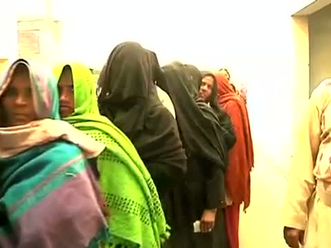 UP Assembly polls - Voters in long queue to cast their vote in Sambhal