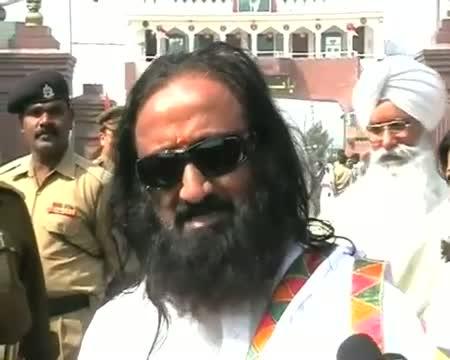 Ravi Shankar embarks on peace mission to Pakistan