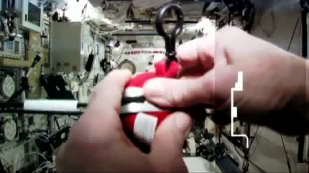 Nasa astronaut launches Angry Birds in space