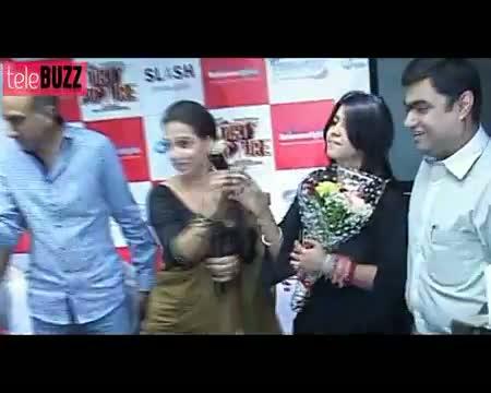 Ram Kapoor & Priya's LOVE MAKING SCENE in Bade Achhe Lagte Hain