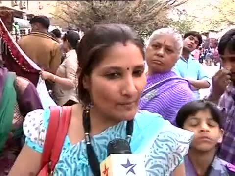 Housewives reaction on Union Budget video