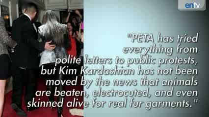 KIM KARDASHIAN FLOUR BOMBED! : Kim Gets Covered In Flour On