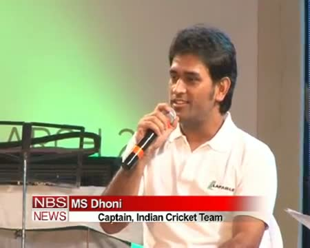 Captain cool was spotted singing in Kolkata