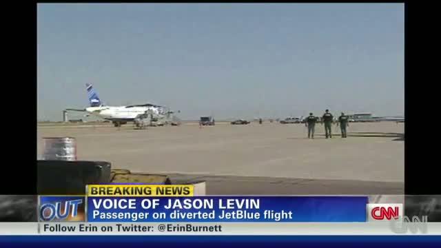 "JetBlue Pilot ""Flips Out"", Subdued by Passengers"