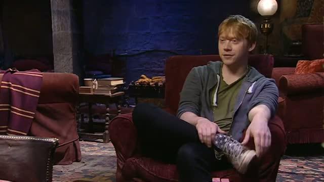 Harry Potter studio tour - Rupert Grint amazed by behind-the-scenes exhibit video