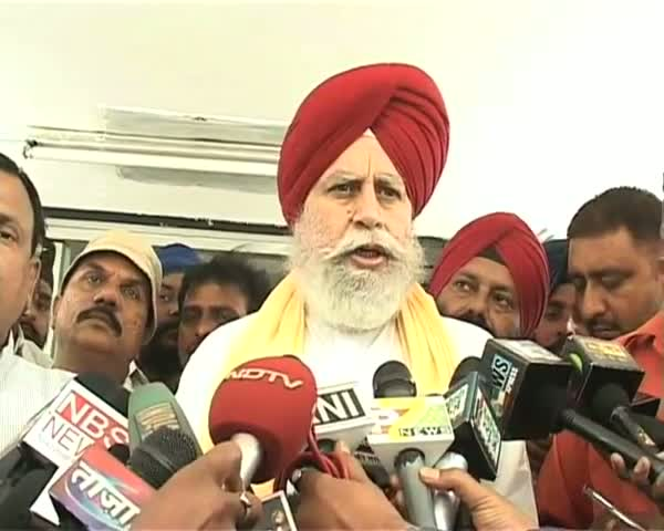 SS Ahluwalia files nomation papers for RS polls from J'khand
