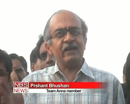 Ramdev Anna to unite only on corruption, black money