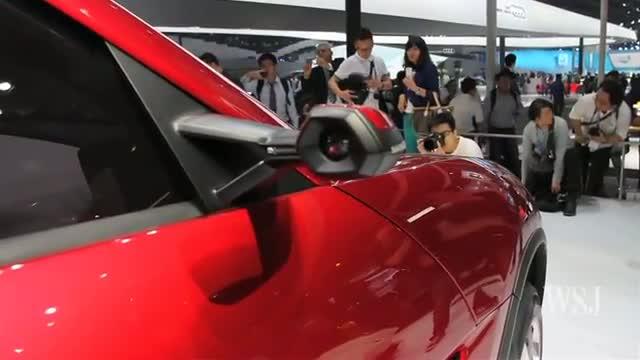 Lamborghini Urus SUV Unveiled at the Beijing Auto Show video