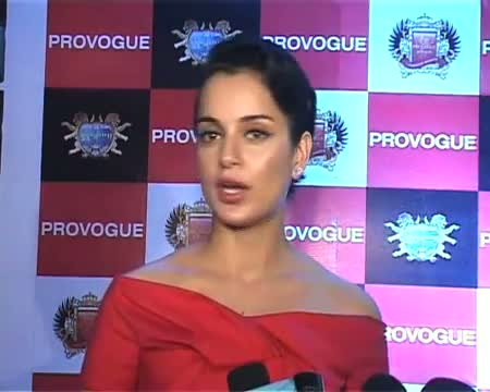 Bollywood pour in at Sohail Khan's Provogue night