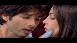 Mukhtasar - Official Song - Teri Meri Kahaani (Exclusive) - Feat.Shahid Kapoor & Priyanka Chopra