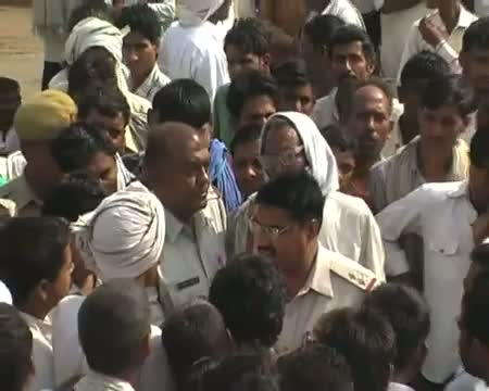 Farmers protest irregularities in procurement