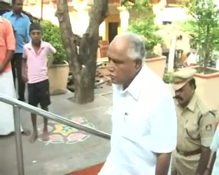 Yeddyurappa not to quit BJP now, claims support of 70 MLAs