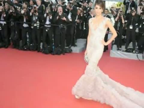Eva Longoria Sizzles At Red Carpet Of Cannes Film Festival 2012