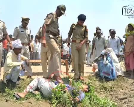 UP's cop's inhuman act caught on camera