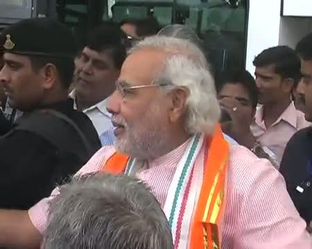 BJP averts embarrassment, Modi to attend Mumbai meet