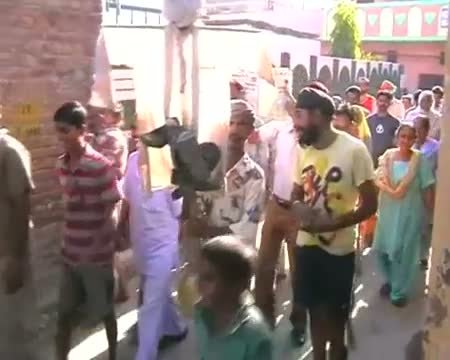 Protest in Amritsar, Jaipur against petrol price hike