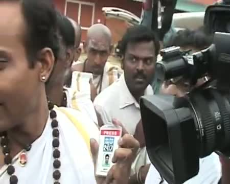 Journalists walk out of Nithyananda's press conference