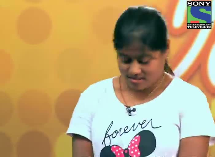 INDIAN IDOL SEASON 6 - EPISODE 3 - JUDGES COMMENTS FOR SUPARNA DAS GOT COMMENTS FROM SUNIDHI CHAUHAN AT KOLKATA AUDITION