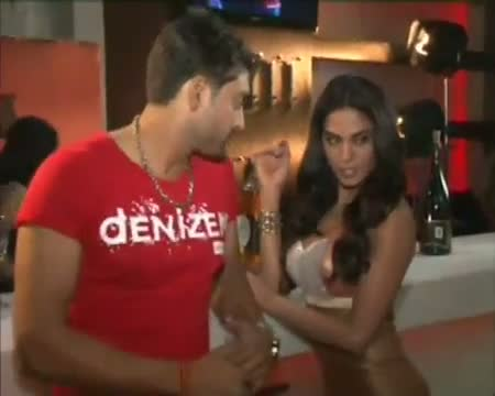 Check Out! Veena's dirty act for Dirty Picture